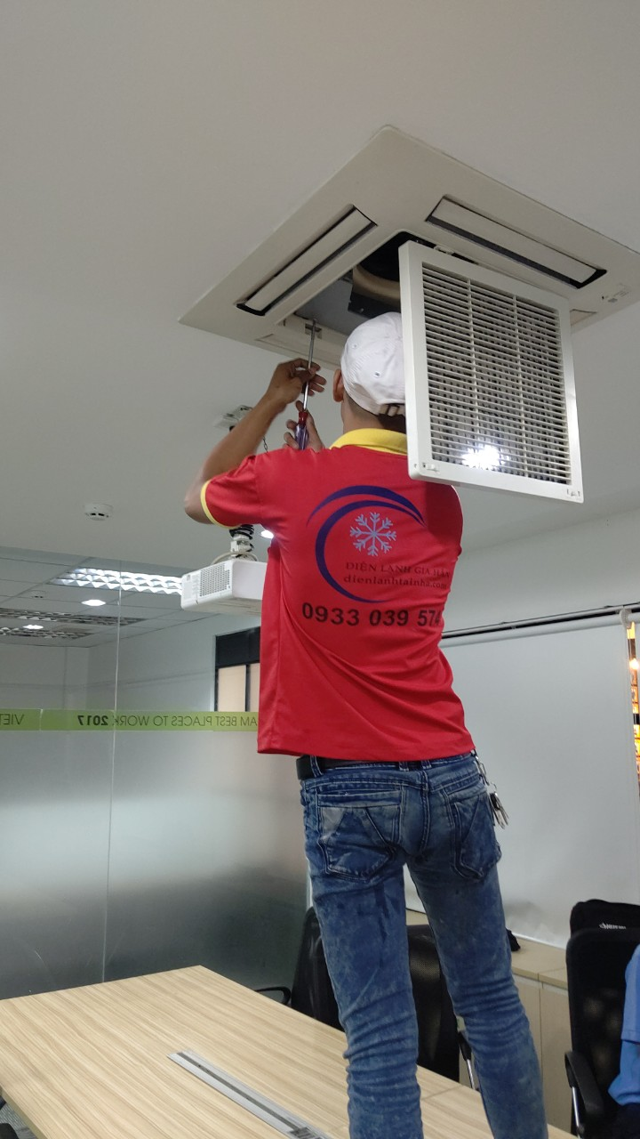 Bảo trì bảo dưỡng máy lạnh tại Amway Việt Nam 4