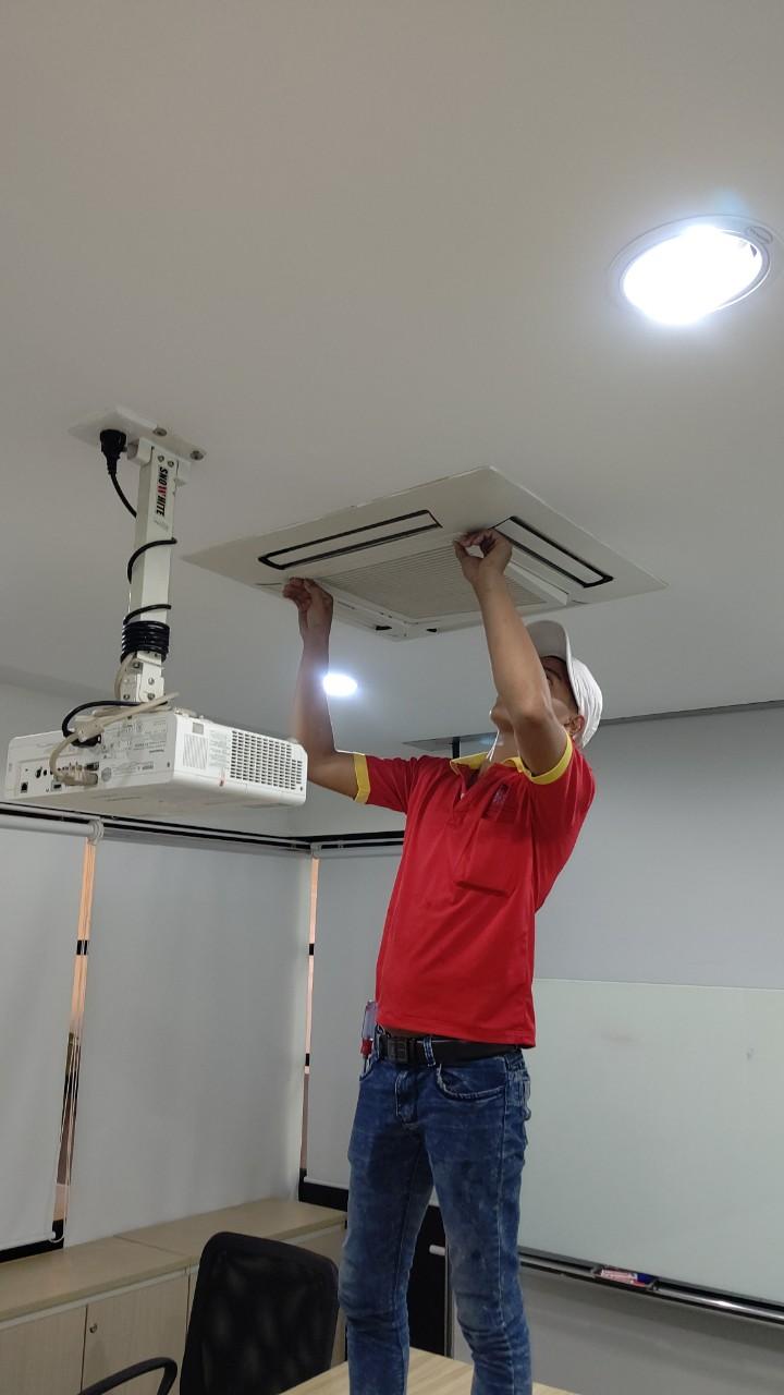 Bảo trì bảo dưỡng máy lạnh tại Amway Việt Nam 2