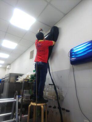 Vệ sinh máy lạnh giá rẻ tại Tân Bình