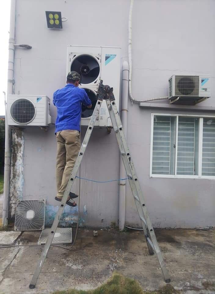 Dịch vụ vệ sinh máy lạnh tại tphcm 2